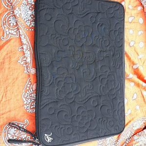 Vera Bradley Quilted Lap Top zippered Case